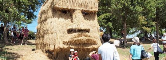 Соломенные скульптуры на японских фестивалях