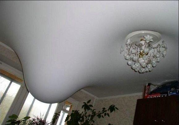 Лопнула батарея на кухне: хорошо, что у соседей не подвесные потолки