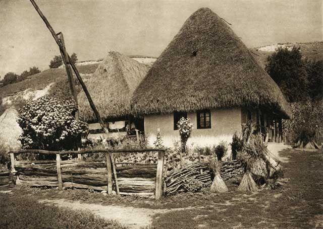 Старинные сельские дома Румынии — солома, глина, красота (24 фото)