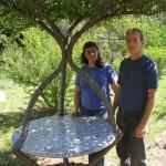 Столик прямо в дереве