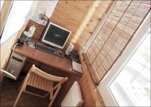 Балкон-кабинет, обшитый деревом