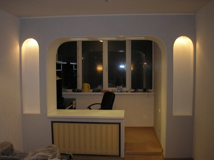 стенка у окна фото