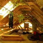 Соломенный летний дом в Бельгии, под крышей