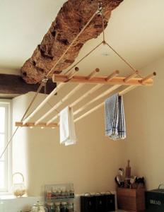 Оригинальная потолочная  сушилка на веревке