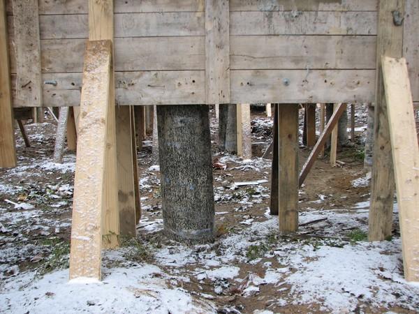 Столбы свайно-ростверкового фундамента
