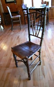Оригинальный стул из веток