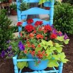 Старый стул как цветник
