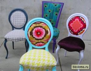 Пример цветочной обивки стульев
