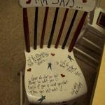 Надписи на стуле - делаем из старого новую мебель