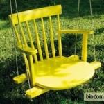 Детские качели из старого стула