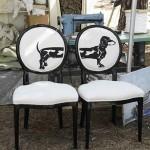 Двойной стул с собакой