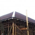 Конек на крыше из ондулина