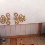 В собранном виде откидной балконный столик, фото сбоку