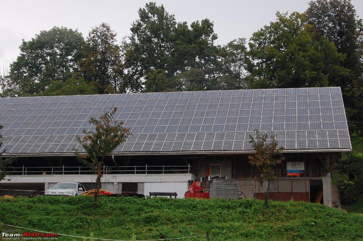 коровник и 100 солнечных панелей