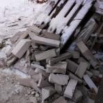 Остатки порезанных газосиликатных блоков