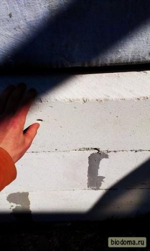 Так рукой теперь можно наклонить блоки в некоторых местах в проемах