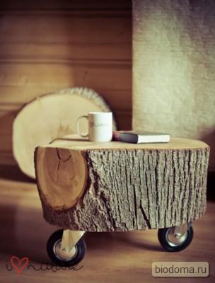 столик на колесиках из деревянной чурки