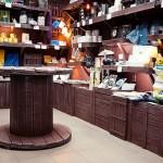 мебель из ящиков в магазине