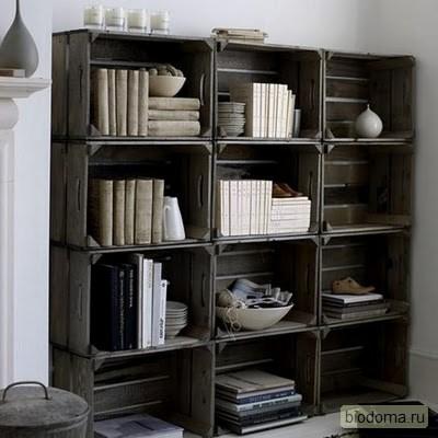 Такие ящики подойдут также для дачи, кстати. И не надо покупать стеллажи для книг и других предметов...