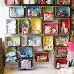 Декоративный деревянный ящик в детской комнате