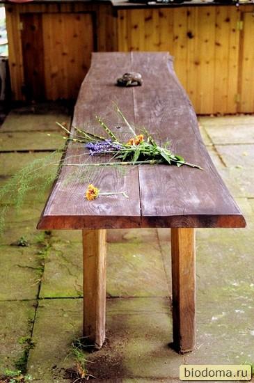 скамеечка из необрезной доски